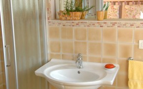 Bagno camera Meleto - Bed & Breakfast Il Cavarchino